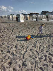 Kind.Strand.big.jpg (807625 Byte)
